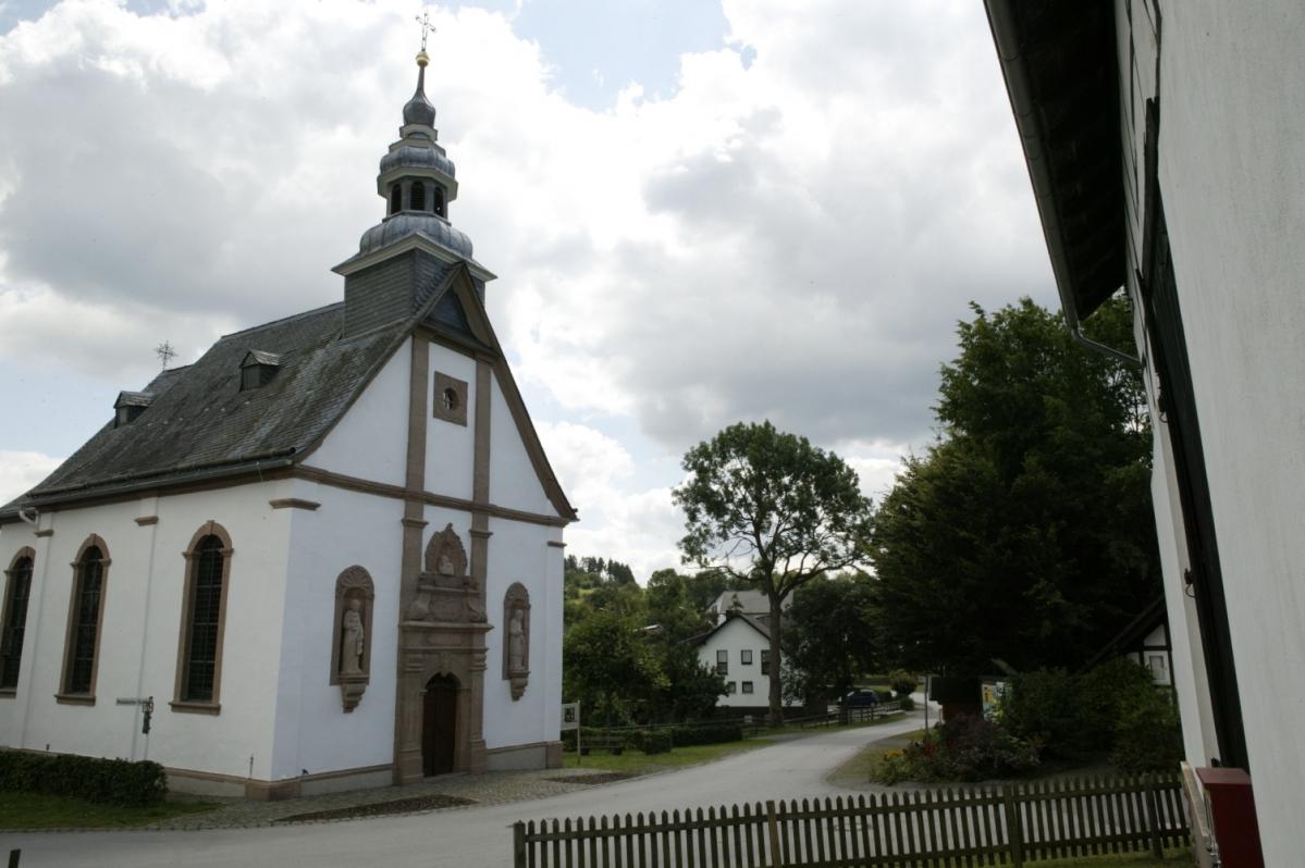 Kirche Medebach-Berge