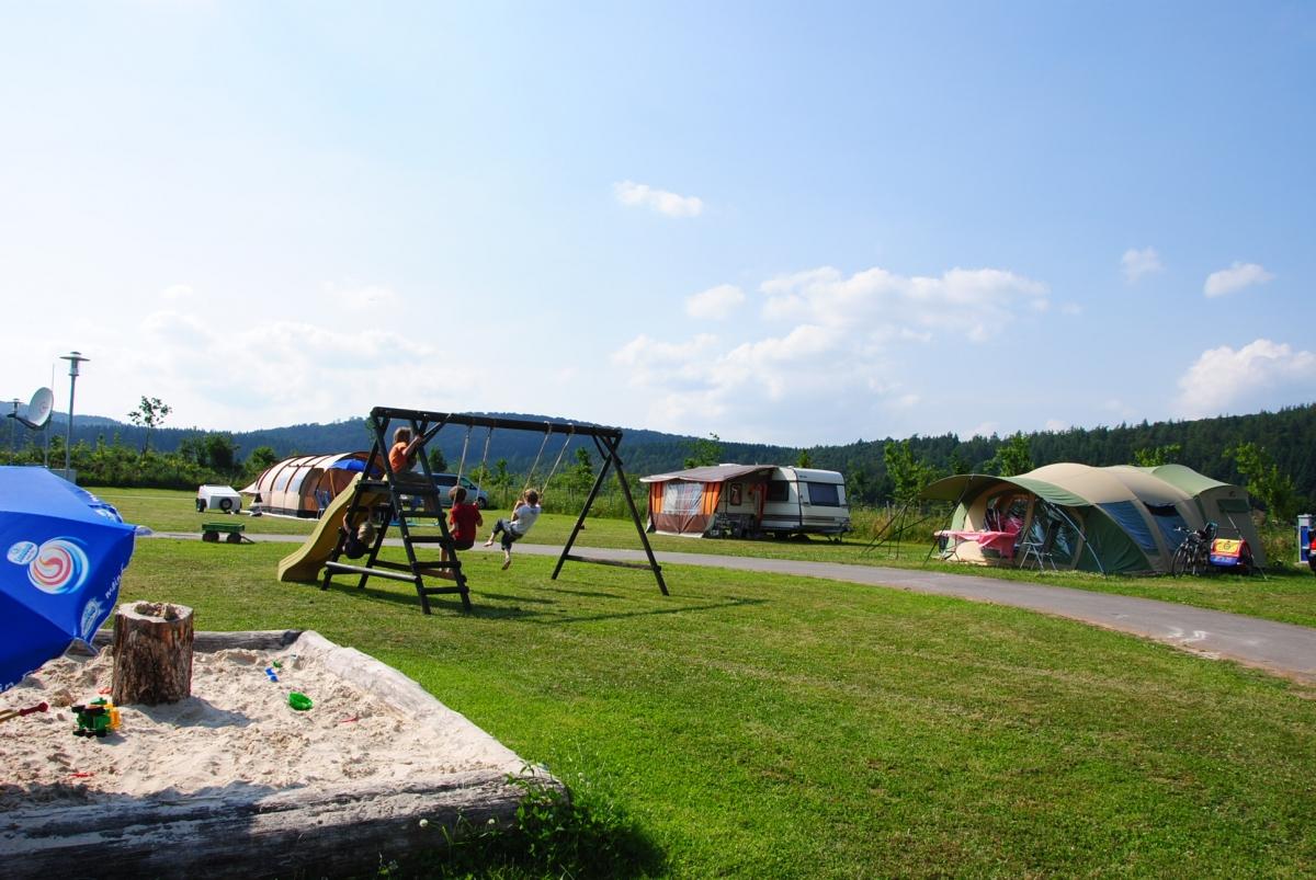 """Camping- & Wohnmobilstellplatz """"Zur Hasenkammer"""""""