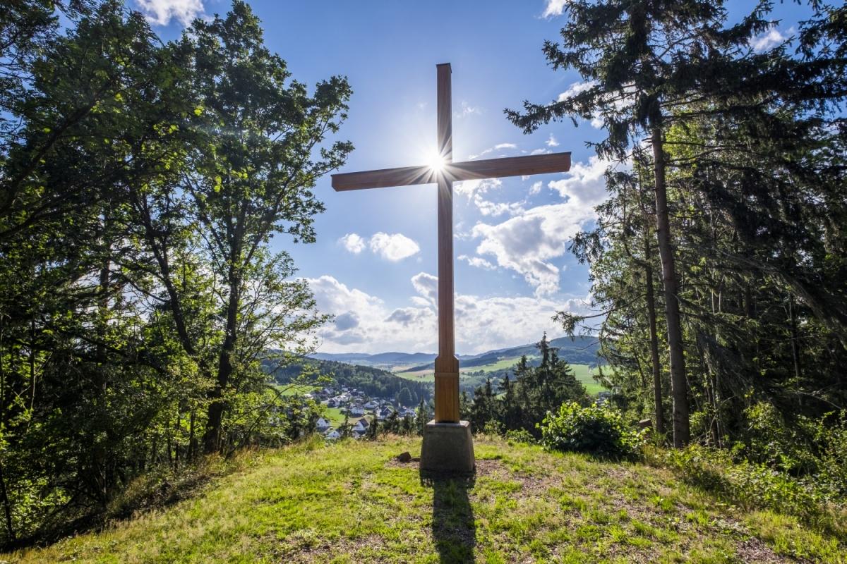 Unterwegs auf dem Medebacher Bergweg - Bildrechte Sauerland Wanderdörfer Klaus Peter Kappest